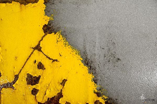 sandblæsning efterlade en rå metal overflade
